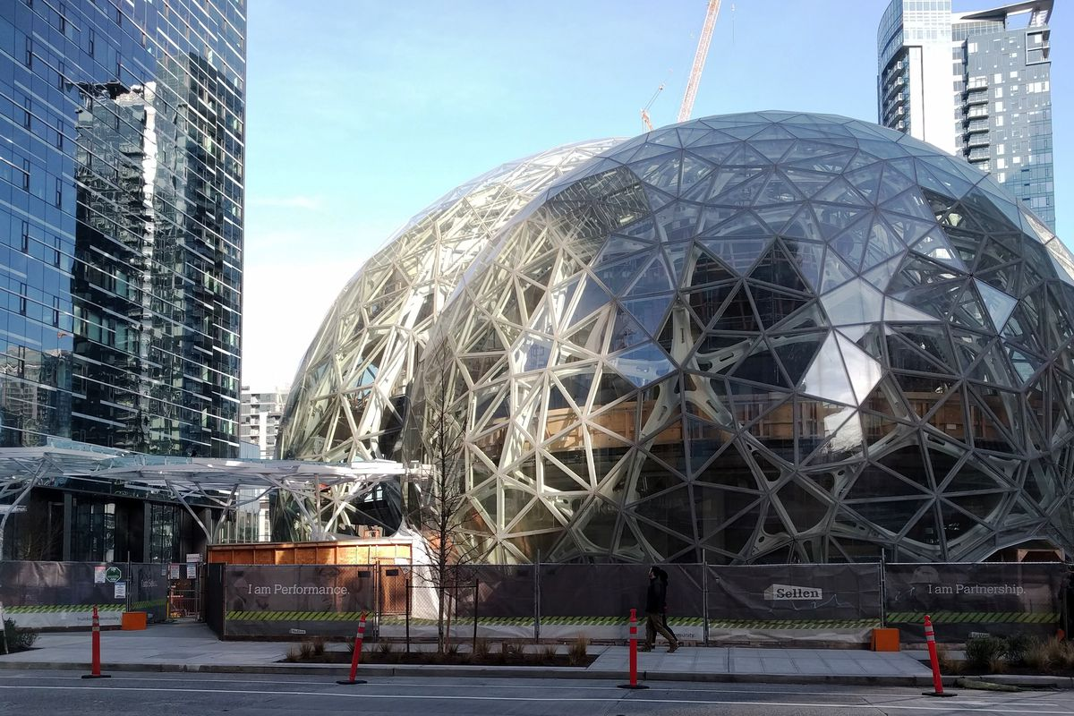 Amazon se aproxima da Apple em valor de mercado