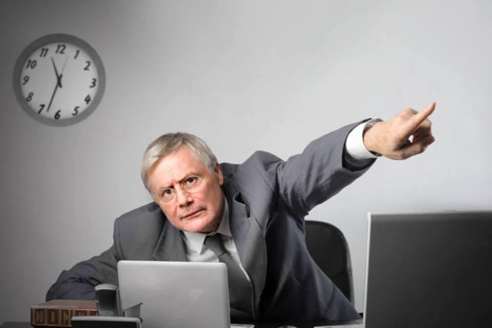 Baixar filmes no trabalho dá demissão por justa causa