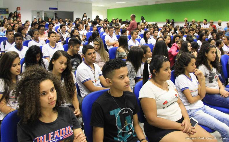 jovens brasileiros são os mais pessimistas com o futuro do país