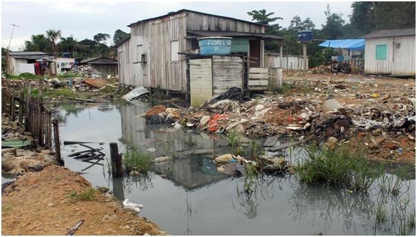 Uma em cada quatro mulheres não tem acesso a saneamento básico