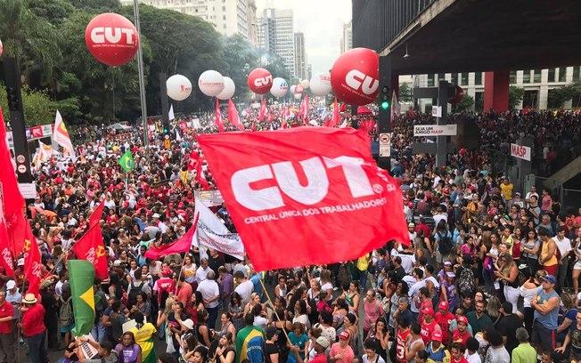 CUT se afunda na maior crise sindical da história