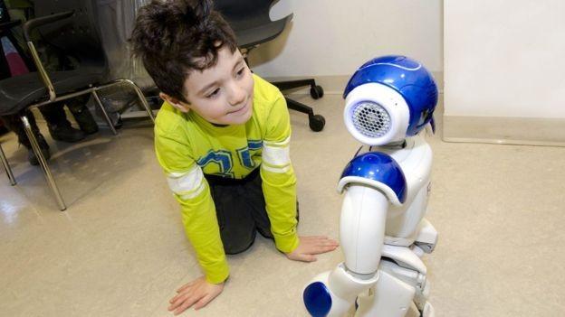 Como a tecnologia pode ajudar crianças a superar o medo de tratamentos médicos