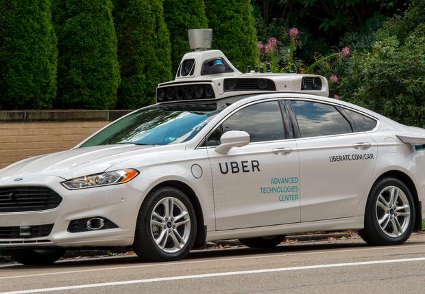 Uber pede licença para voltar às ruas com seu carro autônomo